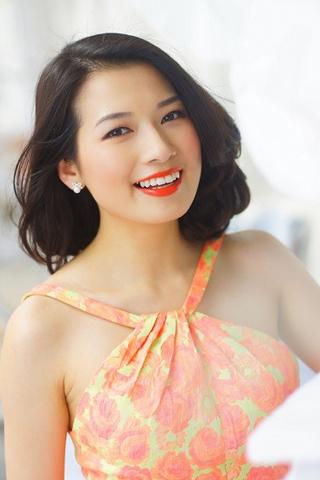 Gặp gỡ Beauty Blogger Trinh Phạm và Phương Ly tại ngày hội Lạc trong men hoa Hà Nội