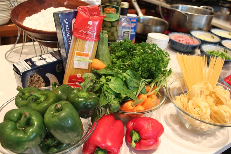 1 - Tiệc trưa tự chọn hải sản & mì Ý - elle vietnam