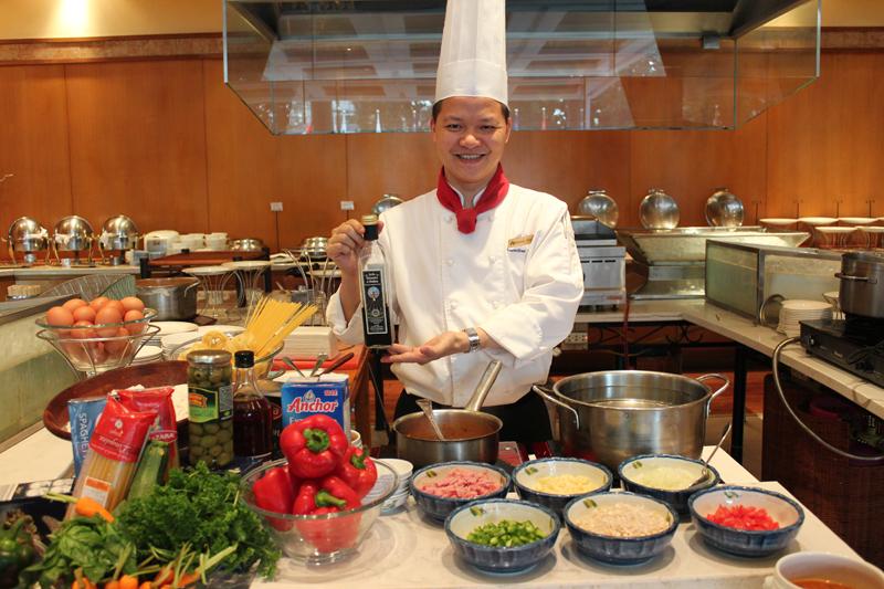 2 - Tiệc trưa tự chọn hải sản & mì Ý - elle vietnam