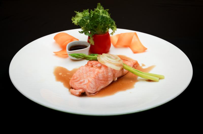7 - Thực đơn gọi món Cá hồi - elle vietnam