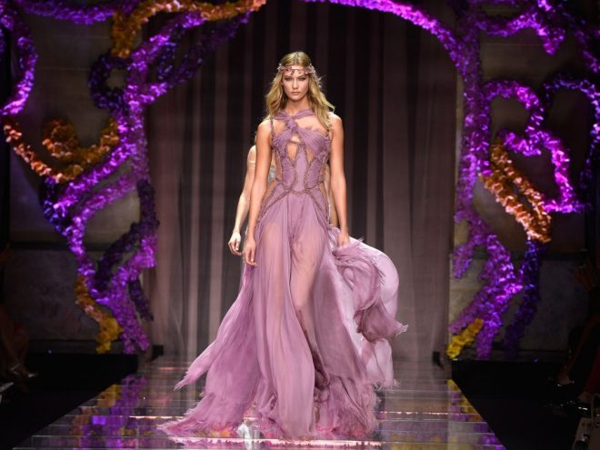 Versace quyết định không tham gia tuần lễ thời trang Haute Couture