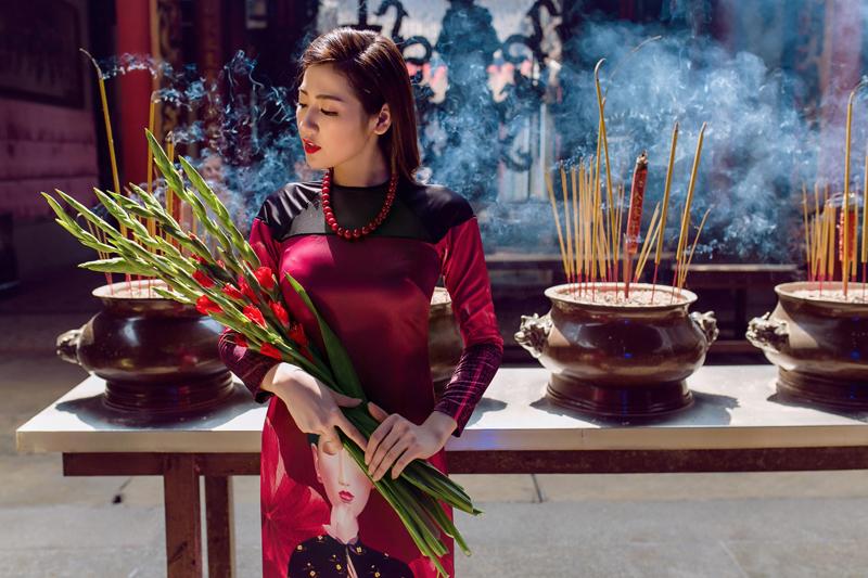 Áo dài của Adrian Anh Tuấn x Chinh - elle man 14