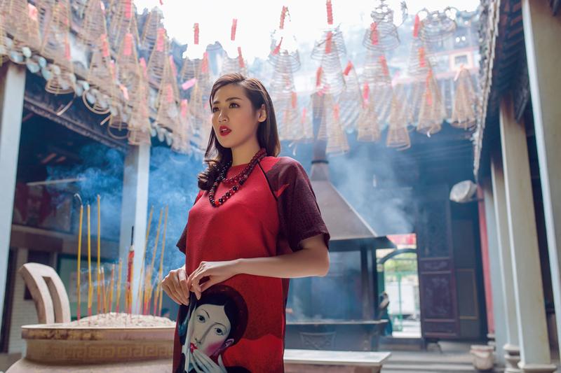 Áo dài của Adrian Anh Tuấn x Chinh - elle man 5