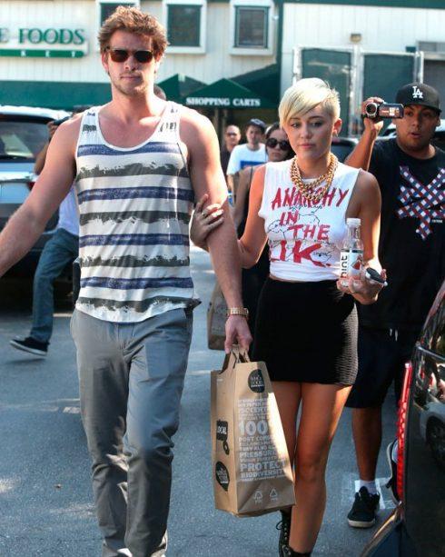 Miley-Cyru-bien-hinh-theo-nhung-bien-chuyen-cua-chuyen-tinh-cam-29