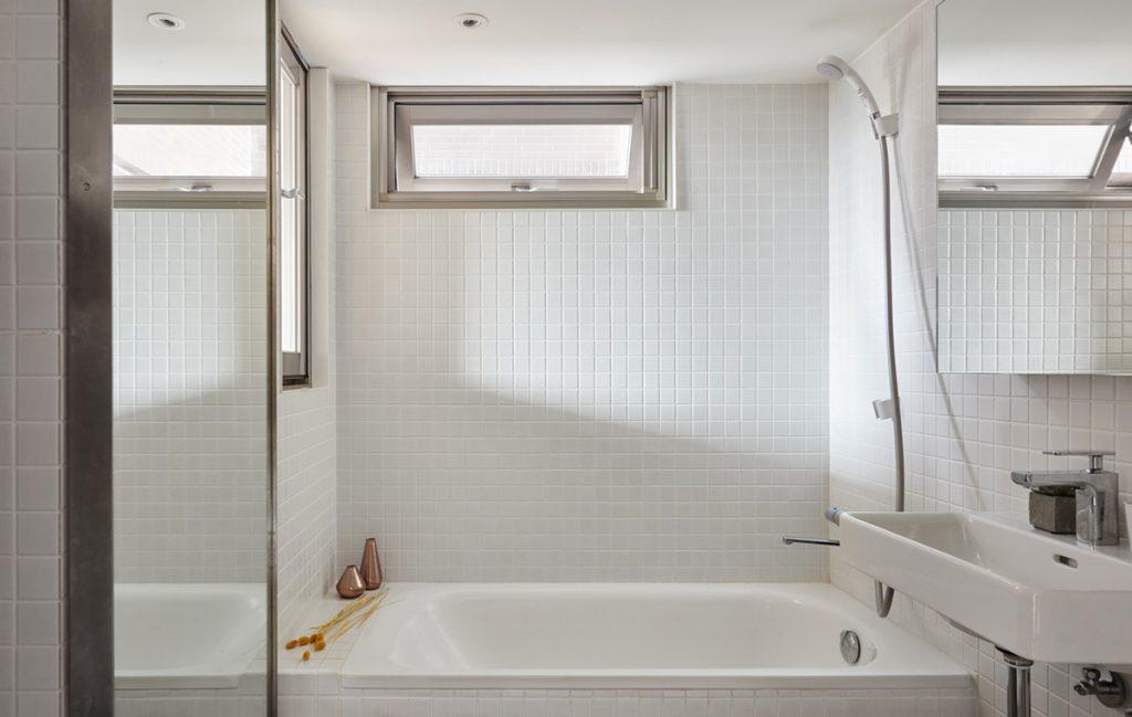 14.super-simple-bathroom-decor