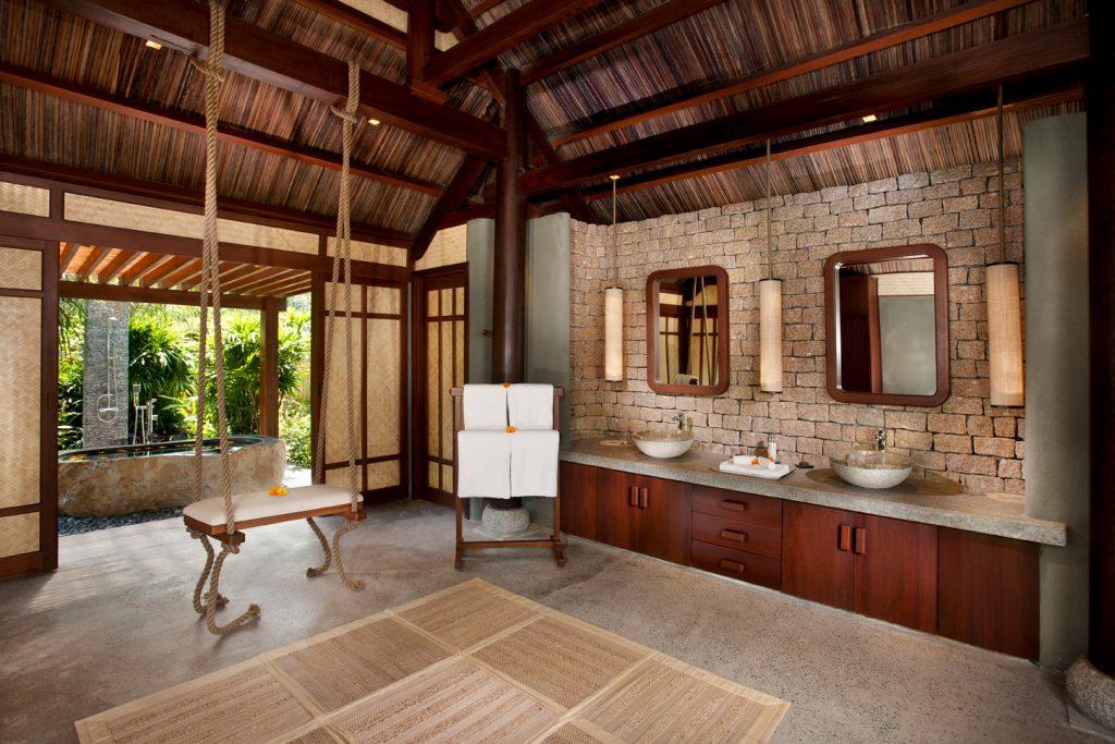 (6) L_Alyana_Ninh_Van_Bay_Lagoon_Villa_Bathroom