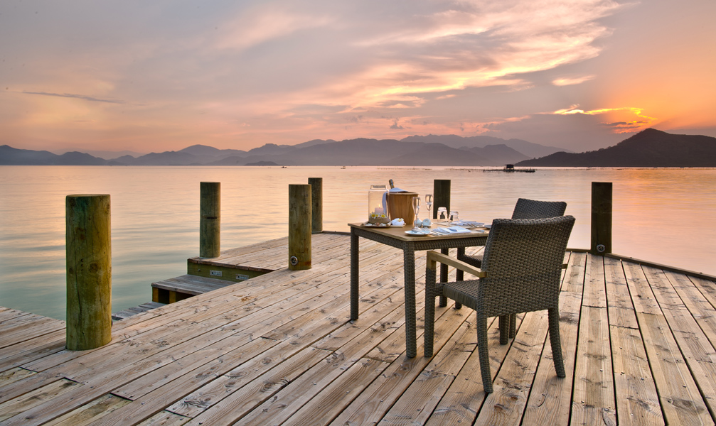 (9) L_Alyana_Ninh_Van_Bay_Jetty_Dining