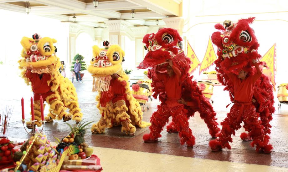 Hồ Tràm Strip - elle vietnam 2