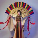 Á hậu Lệ Hằng trong trang phục truyền thống dự thi hoa hậu hoàn vũ thế giới 2016