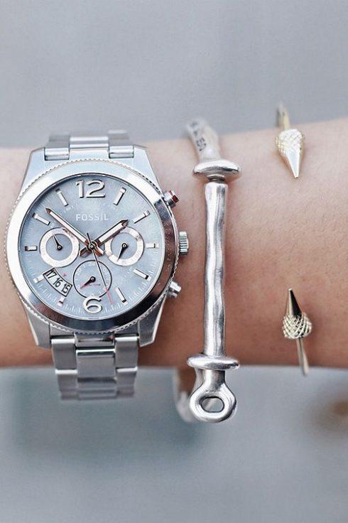 trang sức phối cùng đồng hồ fossil