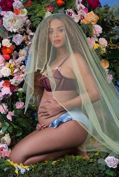 Beyoncé mang song thai, niềm vui nhân lên gấp bội