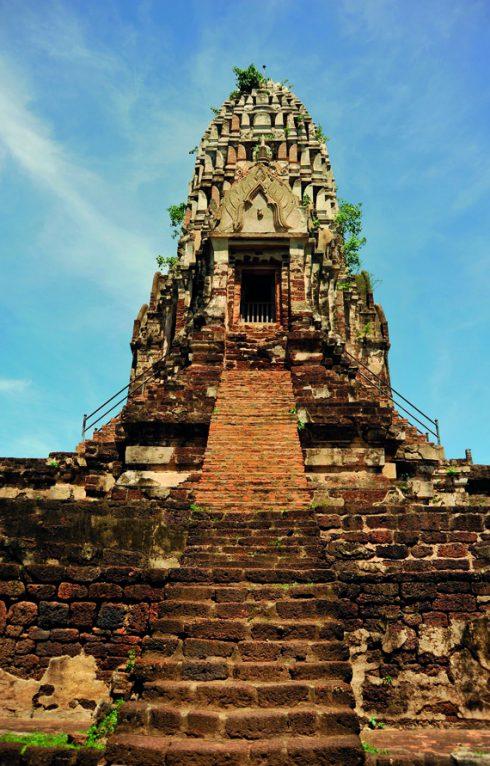 Đến Thái Lan thăm Tháp Phật ở Wat Ratchaburana 3