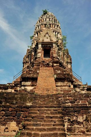 Đến Thái Lan thăm Tháp Phật ở Wat Ratchaburana