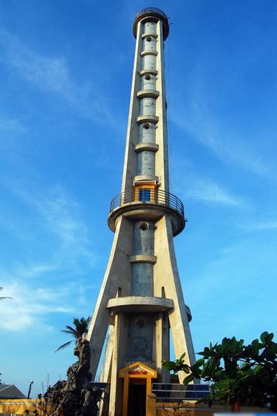 ngọn hải đăng Việt Nam - Lý Sơn - elle vietnam
