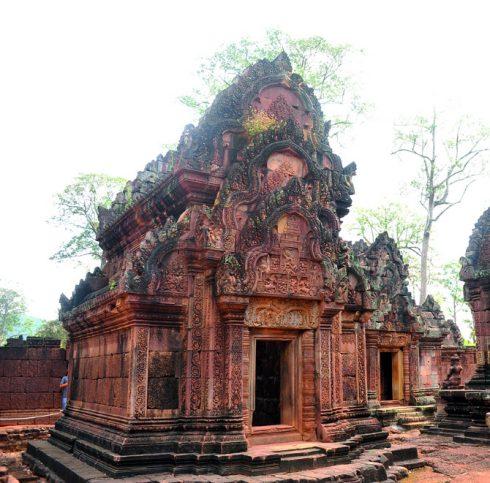Tìm hiểu Quần thể Angkor Wat Tuyệt mỹ về điêu khắc ở đền Banteay Srey 3