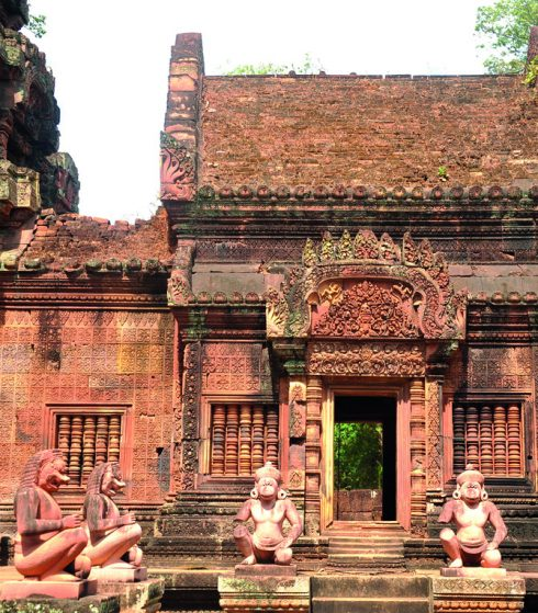 Tìm hiểu Quần thể Angkor Wat Tuyệt mỹ về điêu khắc ở đền Banteay Srey 5
