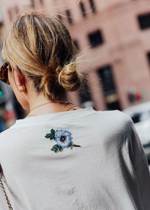 Muôn kiểu mặc đẹp với áo thun trắng 1209