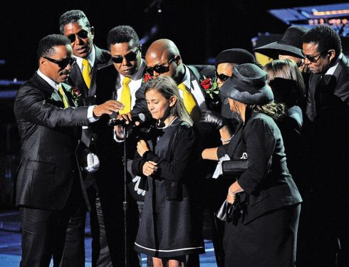 Con của Michael Jackson, Paris Jackson phát biểu tại lễ tưởng niệm.