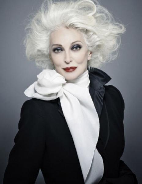"""Carmen Dell'Orefice - Những fashionista """"đầu bạc"""" truyền cảm hứng của thế giới"""