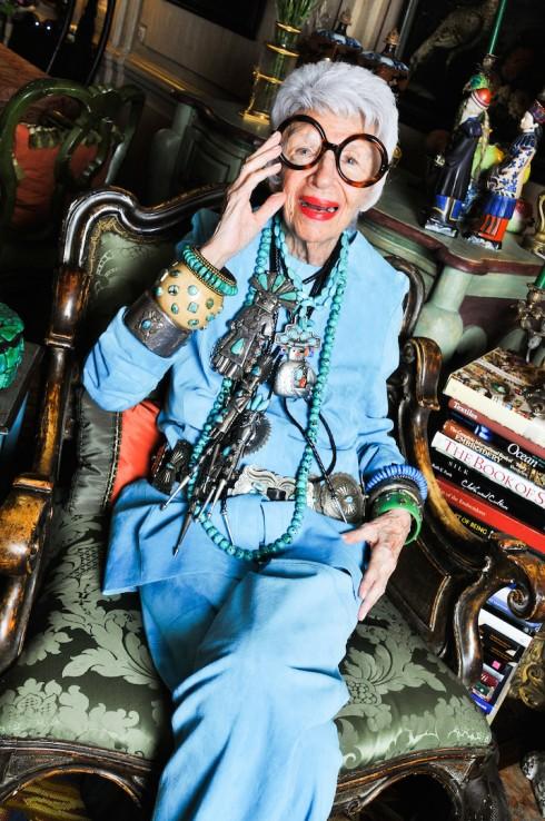 """Iris Apfel Những fashionista """"đầu bạc"""" truyền cảm hứng của thế giới - ELLE VN"""