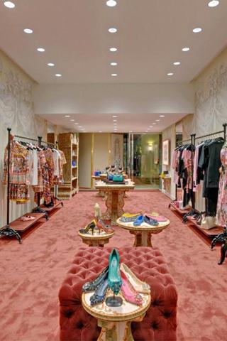 Dolce & Gabbana mở Pop-Up store bán trang phục và phụ kiện nữ