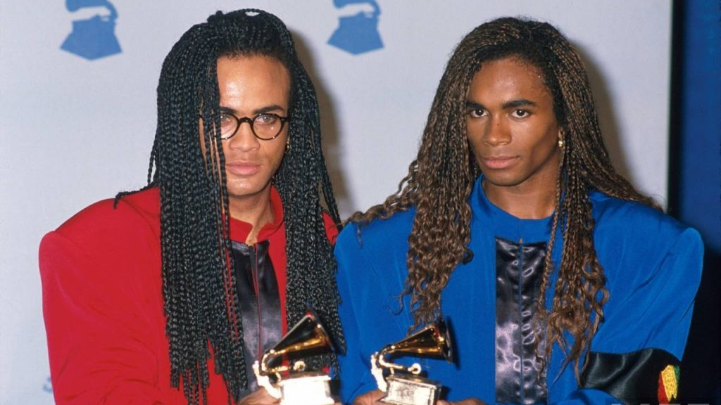 10 chiến thắng đặc biệt nhất trong lịch sử giải thưởng Grammy - Nhóm nhạc Milli Vanilli thắng giải Grammy