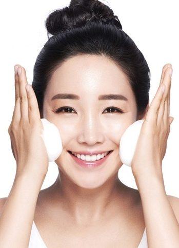 Tạo bọt đúng cách để bước làm sạch da hiệu quả nhất