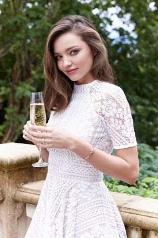 Sao nữ nào là tín đồ làm đẹp của mỹ phẩm organic?