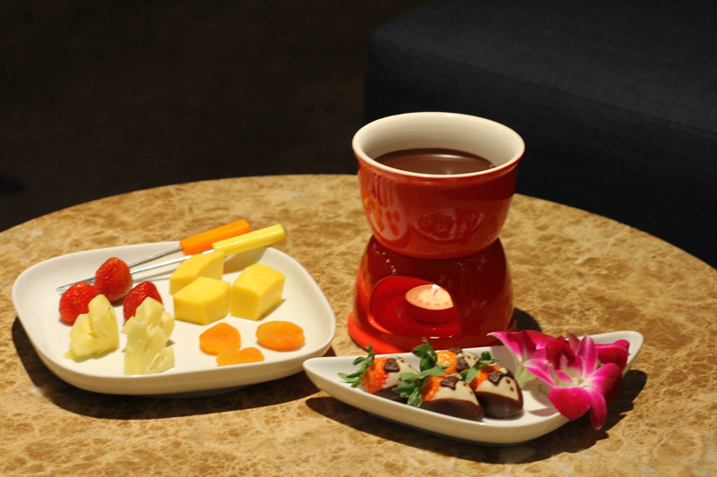 Sheraton Saigon_The Lounge_Chocolate fondue