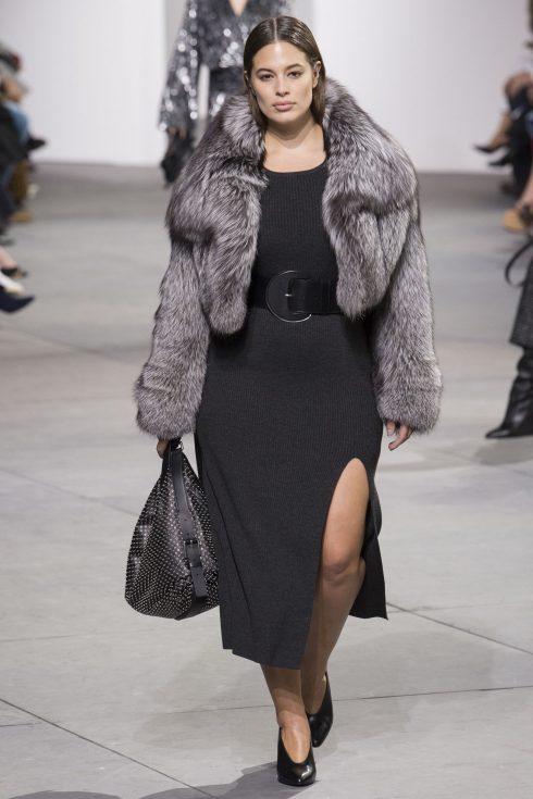 Ashley Graham trong thiết kế của Michael Kors