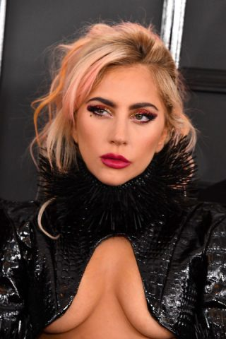 12 sao nữ trang điểm đẹp nhất tại Grammy 2017