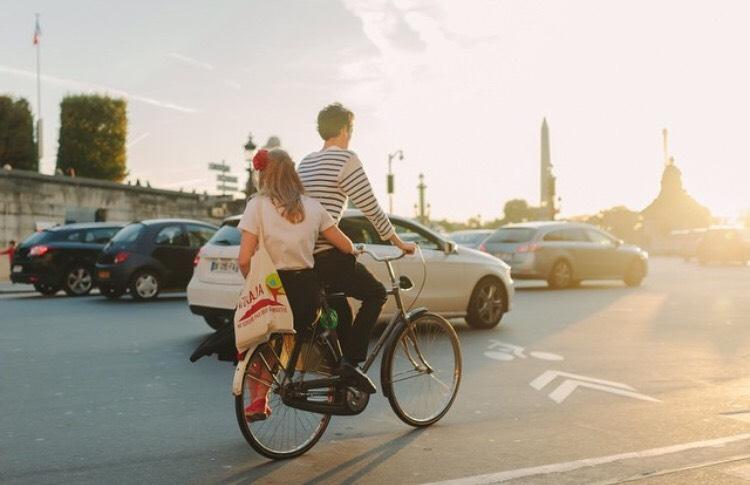 Yêu cuồng nhiệt và lãng mạn như một cô gái Pháp