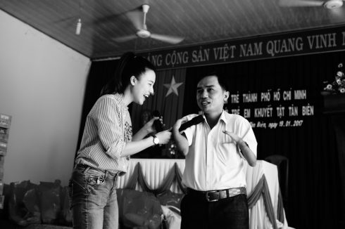 """Hoàng Oanh mãn nguyện cùng """"Hành trình hạnh phúc"""" ELLE VN"""