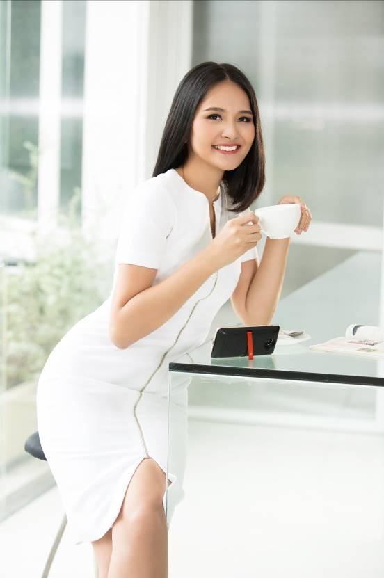 Hương Giang - Moto Z - elle vietnam