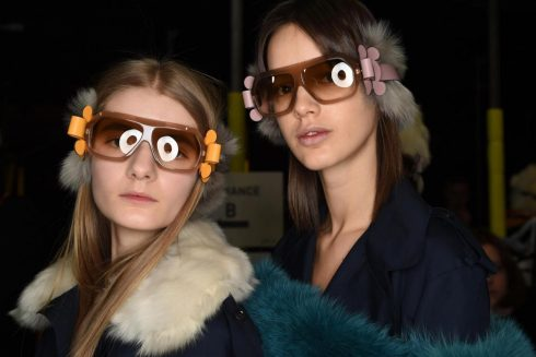 Những chiếc kính râm độc đáo của Anya Hindmarch