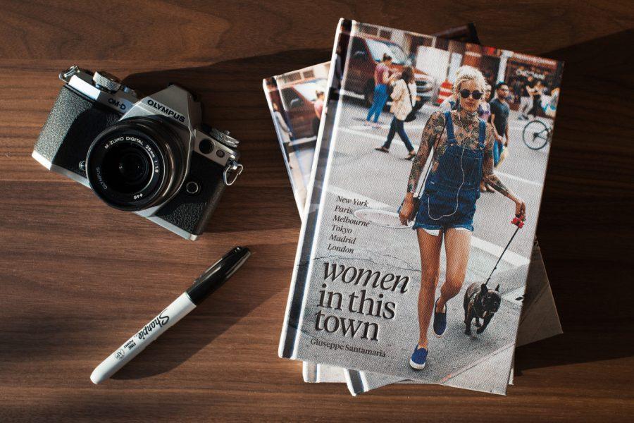 sách thời trang - Women in This Town - elle vietnam