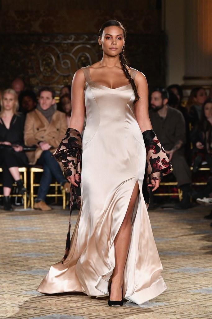 Người mẫu ngoại cỡ bứt phá tại Tuần lễ thời trang Thu-Đông 2017