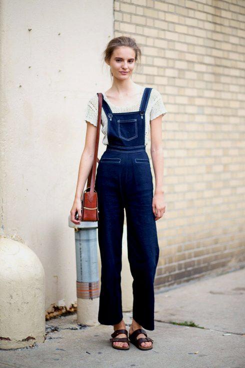 Cách phối đồ với quần yếm jeans 12176