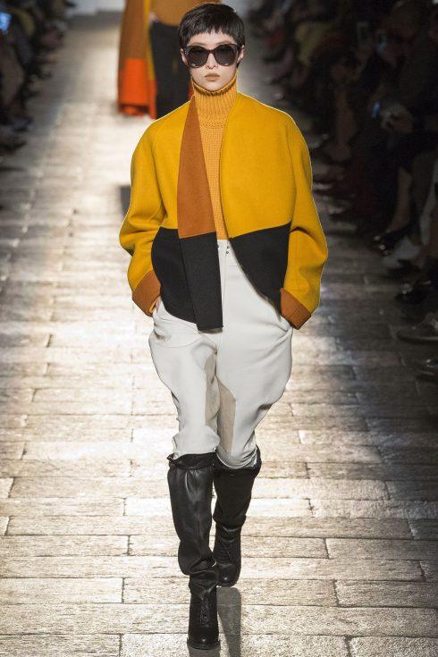 Một chiếc quần cưỡi ngựa khác trong BST của Bottega Veneta