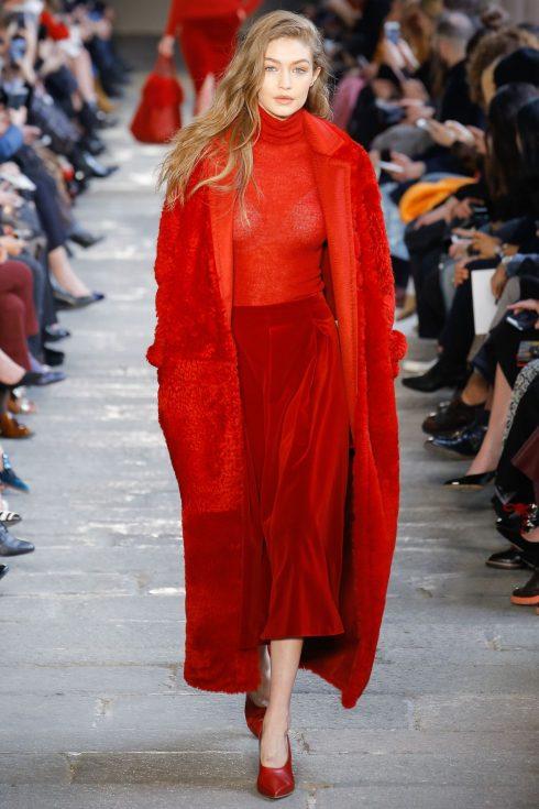 Gigi Hadid là gương mặt được ưa chuộng tại Tuần lễ thời trang Milan lần này