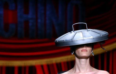Một khoảnh khắc đẹp trong show diễn của Moschino
