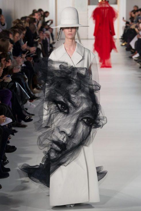 Một mẫu thiết kế độc đáo trong BST Couture của Maison Margiela tháng 1 vừa qua