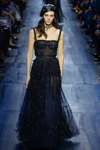 Thiết kế váy chữ A quen thuộc của Maria Grazia Chirui <br/>Thiết kế váy chữ A quen thuộc của Maria Grazia Chirui