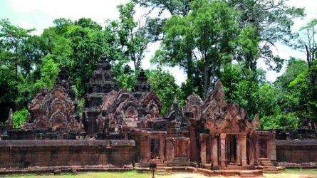 Tìm hiểu Quần thể Angkor Wat - Tuyệt mỹ về điêu khắc ở đền Banteay Srey