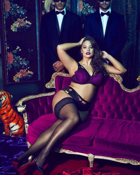 Siêu mẫu Ashley Graham tự làm mẫu cho BST của mình - 02