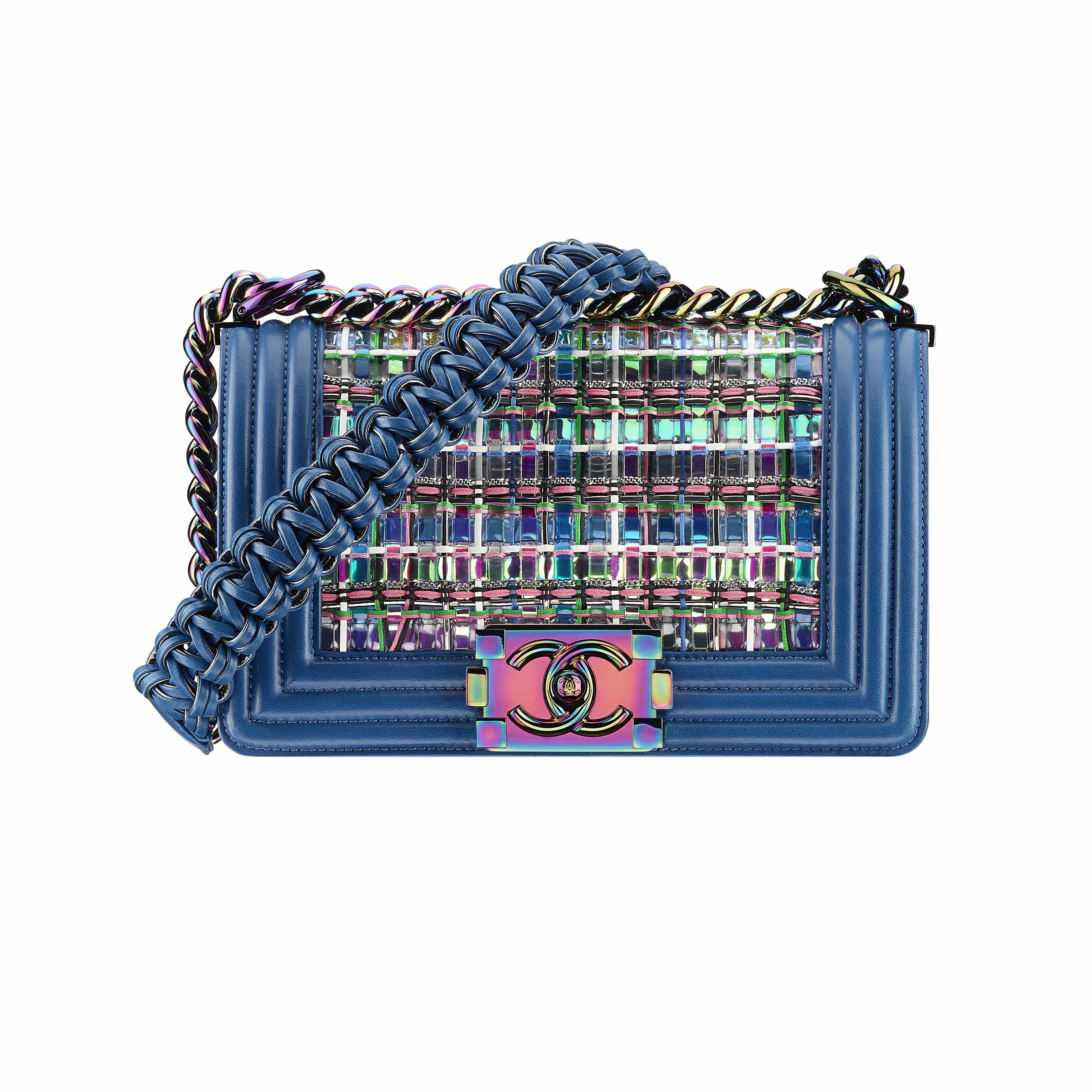 Ngắm nhìn phụ kiện thời trang Chanel mang hơi thở công nghệ số
