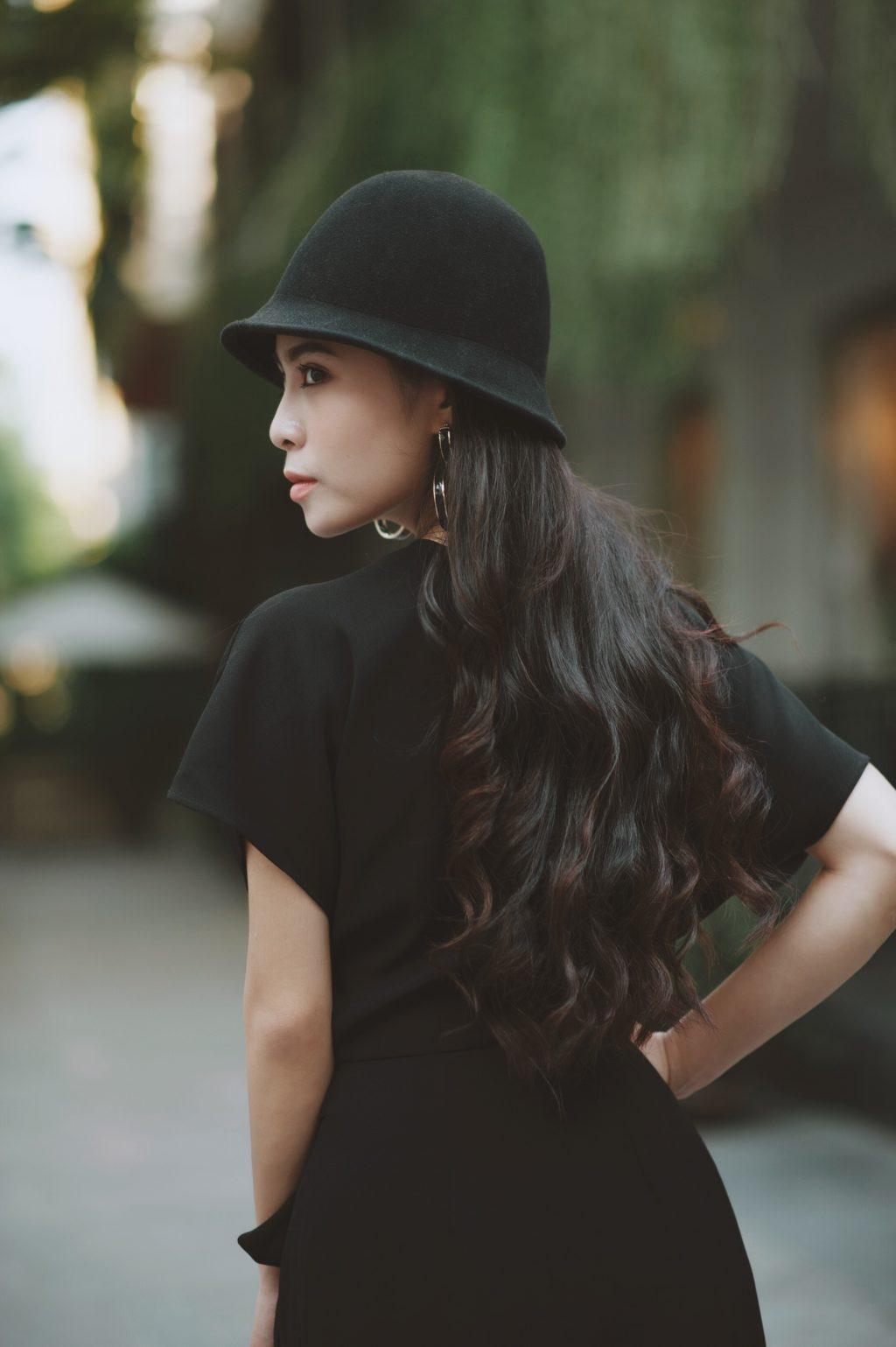 """Kết hợp với nhạc sĩ Khắc Hưng, Kiều Anh đang muốn khán giả sẽ công nhận hình ảnh một """"ca - pop"""" mà cô đang hướng tới."""