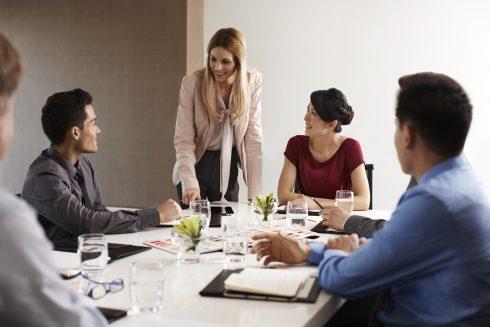 Những thói quen trong phòng họp