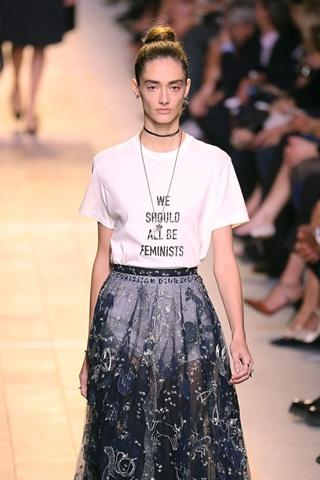 Thời trang đang nuôi lớn làn sóng nữ quyền?