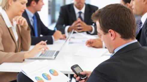 Những thói quen xấu trong phòng họp